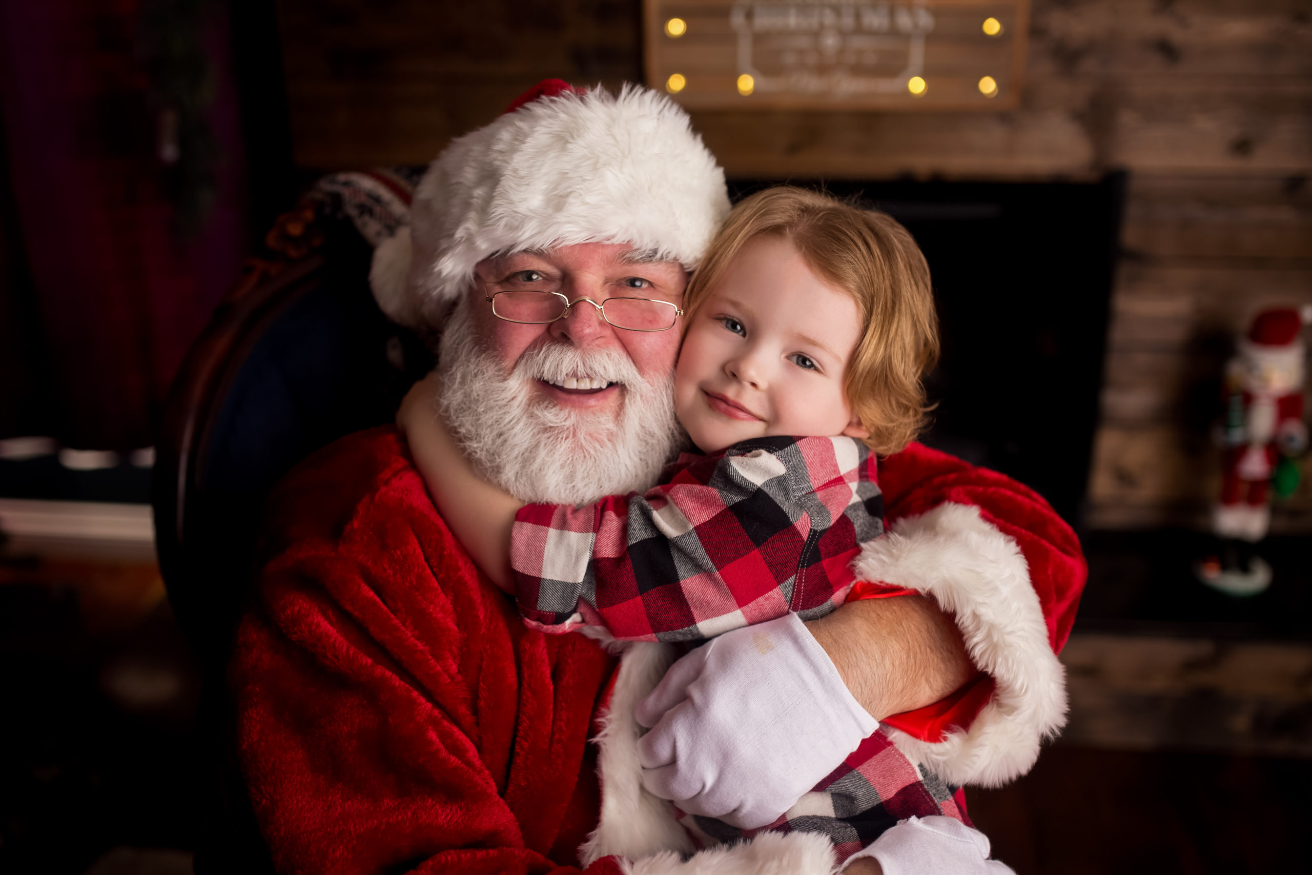 FORT MCMURRAY SANTA PHOTOS 2015