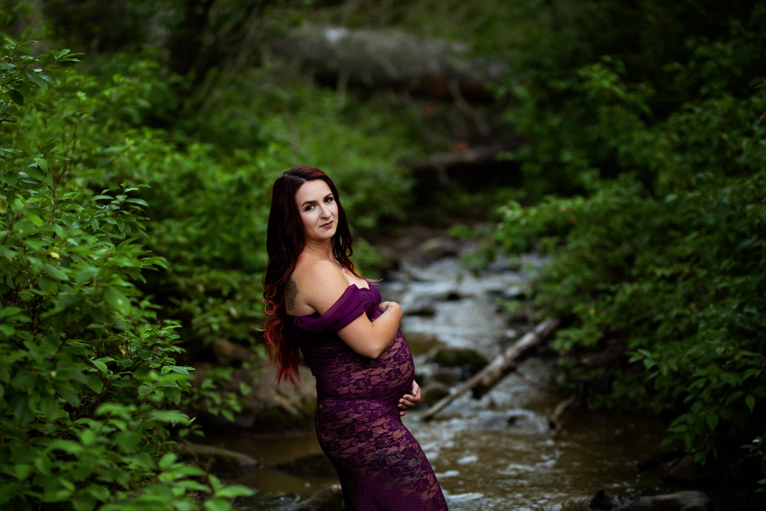Maternity Session in Fort McMurray with Fox and Bird Photography in the Birchwood Trails